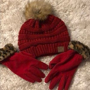 Accessories - Hat and gloves